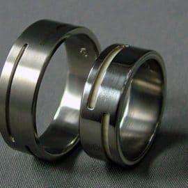Csont karikagyűrű, karikagyűrű, titán karikagyűrű, egyedi karikagyűrű, design karikagyűrű, különleges karikagyűrű, design jegygyűrű, különleges jegygyűrű